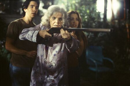 Gina Philips, Eileen Brennan, and Justin Long in Jeepers Creepers (2001)