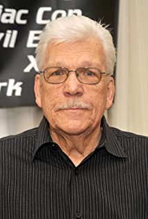 Tom Atkins Picture