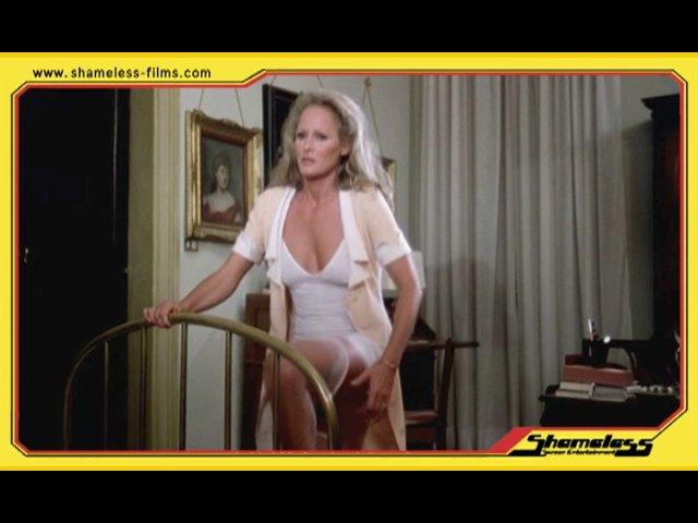 video-mature-women-undressing