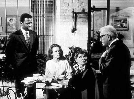 5954-5 Sidney Poitier, Spencer Tracy, Katharine Hepburn, Katharine Houghton in