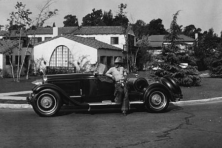 5522-12 BUCK JONES AND HIS CIRCA 1928 PAKARD ROADSTER *M.W.* / MPTV