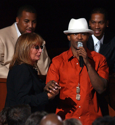 Penny Marshall and Jamie Foxx at an event for ESPY Awards (2004)