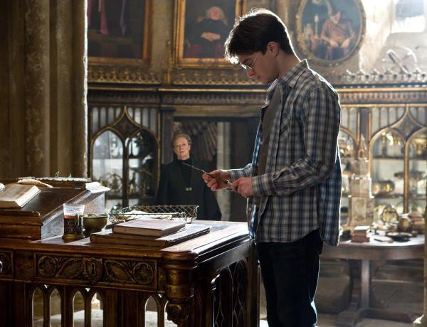 Maggie Smith and Daniel Radcliffe in Harry Potter and the Half-Blood Prince (2009)