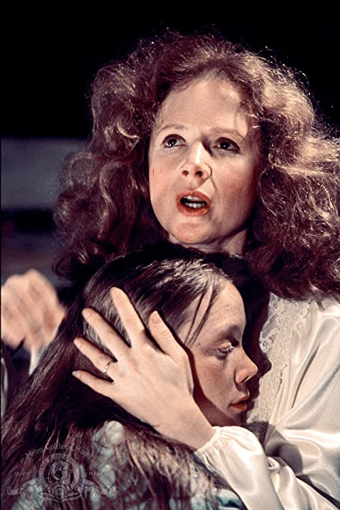 Sissy Spacek and Piper Laurie in Carrie (1976)