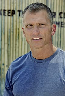 Aktori Ed Spila