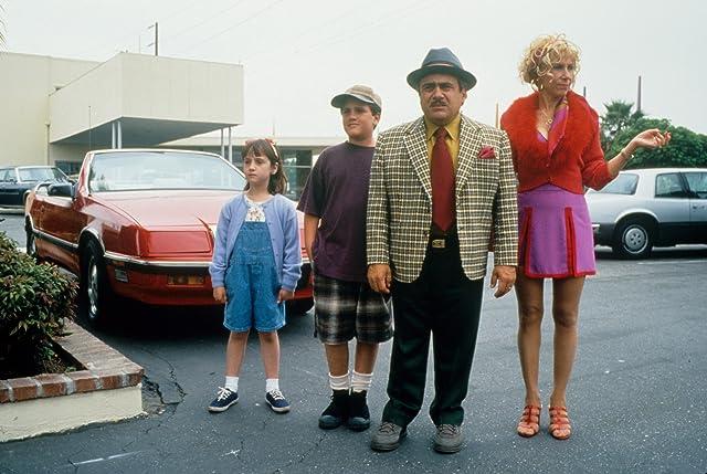 Still of Danny DeVito, Brian Levinson, Rhea Perlman and Mara Wilson in Matilda