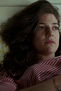 Aktori Esther Garrel