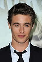 Max Irons's primary photo