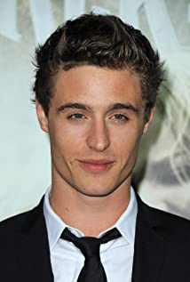 Max Irons New Picture - Celebrity Forum, News, Rumors, Gossip