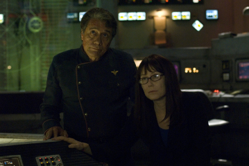 Mary McDonnell and Edward James Olmos in Battlestar Galactica (2004)
