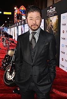 Aktori Tadanobu Asano
