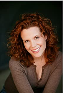 Robyn Lively Picture