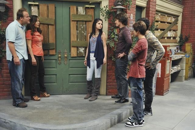 Maria Canals-Barrera, David DeLuise, Selena Gomez, Jake T. Austin, and Gregg Sulkin in Wizards of Waverly Place (2007)