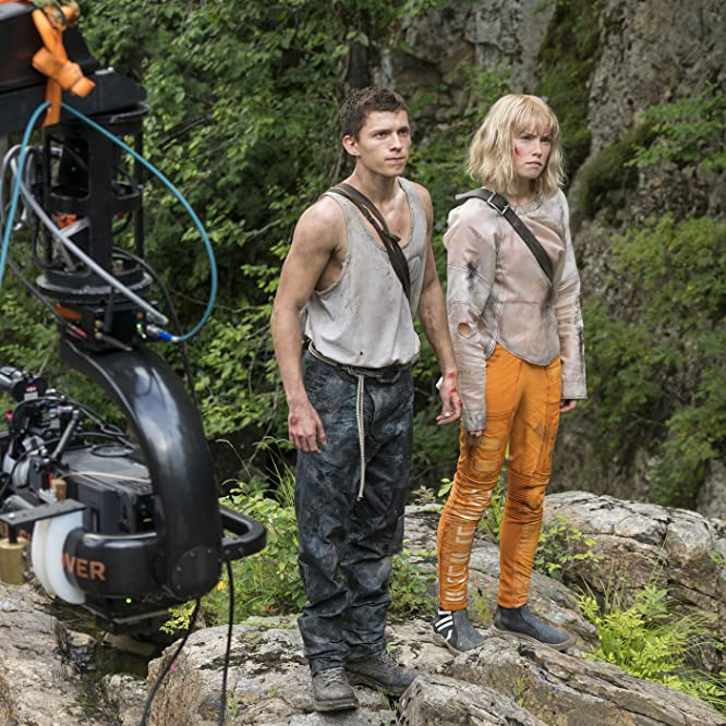 Tom Holland and Daisy Ridley in Chaos Walking (2019)