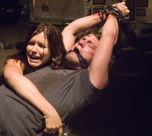 Sophia Bush and Zachary Knighton in The Hitcher (2007)