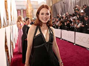 Julianne Moore at an event for The 88th Annual Academy Awards (2016)
