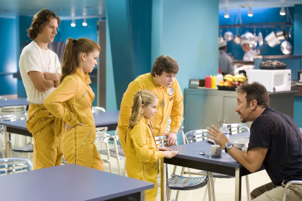 Tim Allen, Spencer Breslin, Kate Mara, Ryan Newman, and Michael Cassidy in Zoom (2006)
