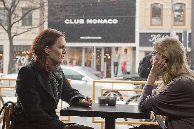 Julianne Moore and Amanda Seyfried in Chloe (2009)