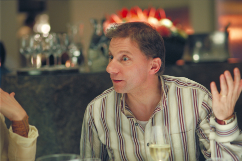 Simon McBurney in Friends with Money (2006)
