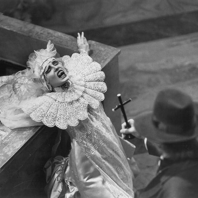 Sadie Frost in Bram Stoker's Dracula (1992)