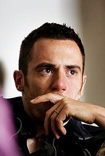 Aktori Elio Germano