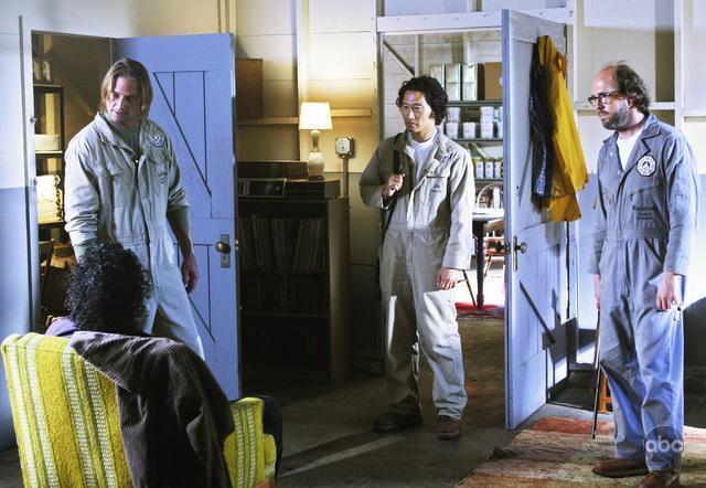 Naveen Andrews, Daniel Dae Kim, Josh Holloway, and Eric Lange in Lost (2004)