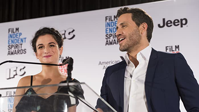 Edgar Ramírez and Jenny Slate
