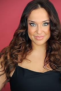 Aktori Maria Russell