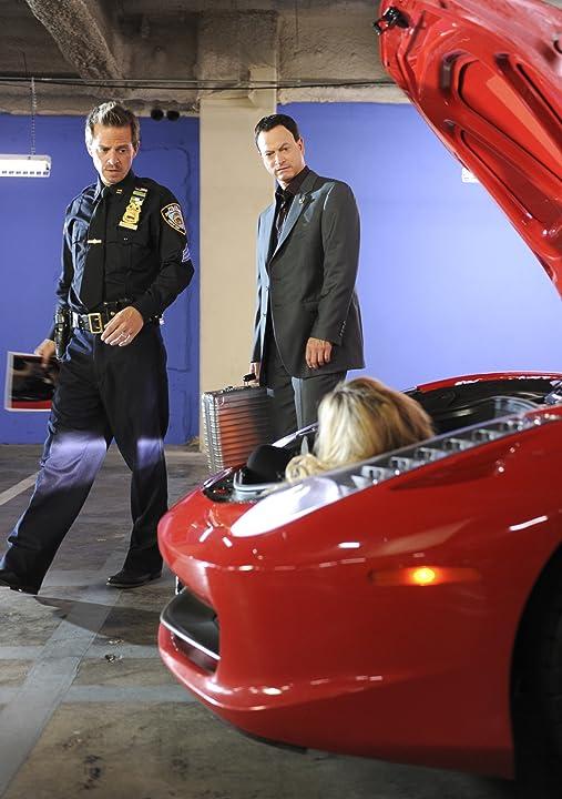 Gary Sinise and Carmine Giovinazzo in CSI: NY (2004)