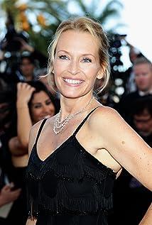 Aktori Estelle Lefébure