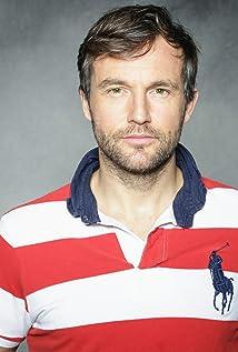 Aktori Shaun Benson