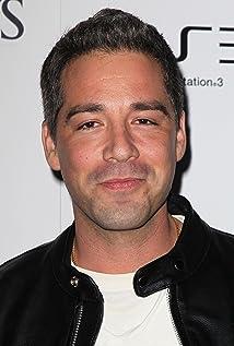 Aktori Hector Hugo