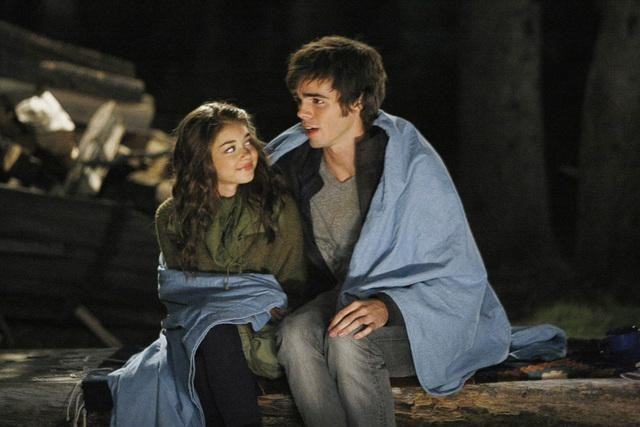 Sarah Hyland and Reid Ewing in Modern Family (2009)