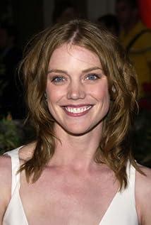 Aktori Leslie Stefanson