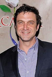 Aktori Raúl Esparza