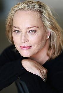 Aktori Allison Mackie