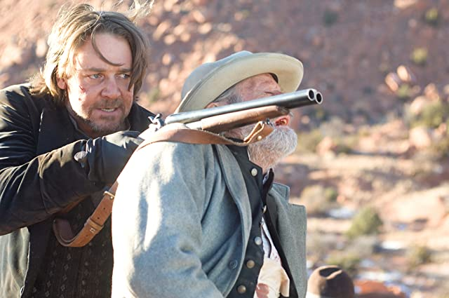 Russell Crowe and Peter Fonda in 3:10 to Yuma (2007)