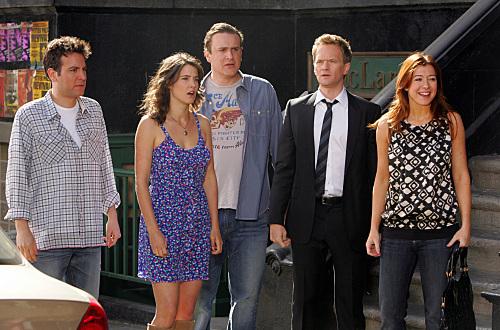 Neil Patrick Harris, Alyson Hannigan, Jason Segel, Josh Radnor, and Cobie Smulders in How I Met Your Mother (2005)