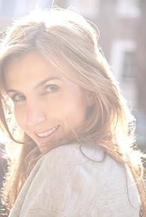 Christina Gausas Picture