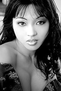 Mika Tan Picture