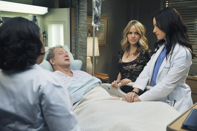 Chyler Leigh, Jeff Perry, Chandra Wilson, and Alexa Havins in Grey's Anatomy (2005)