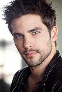Aktori Brant Daugherty