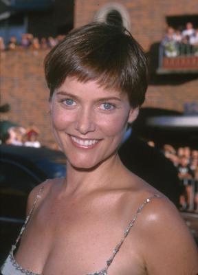 Carey Lowell at Runaway Bride (1999)