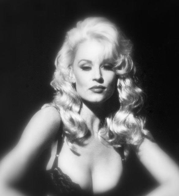 Delia Sheppard Nude Photos 95