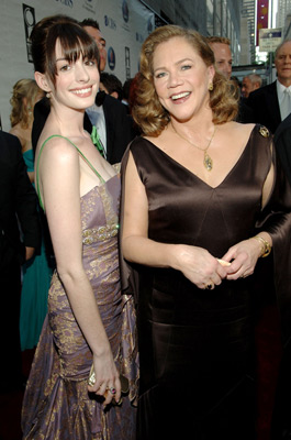 Kathleen Turner and Anne Hathaway