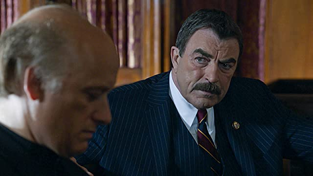 Tom Selleck and Frank Wood in Blue Bloods (2010)