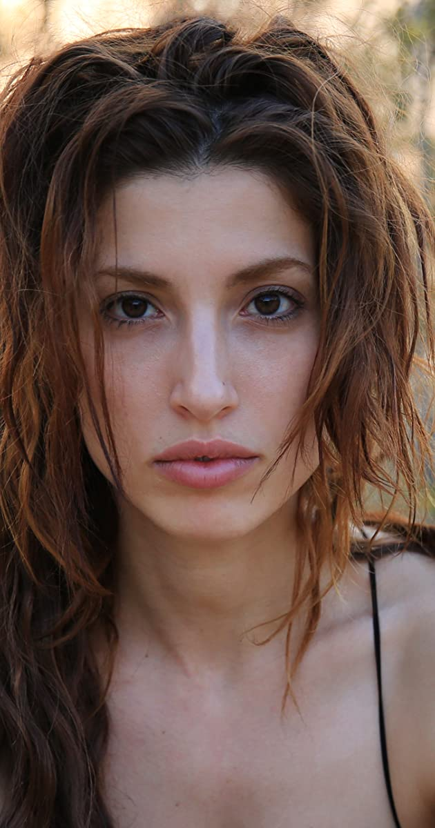 Tania Raymonde Nude Photos 19