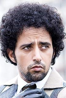 Aktori Anil Mange