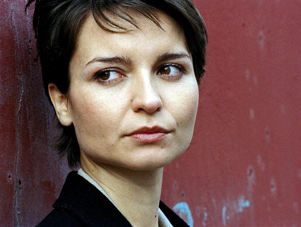 Olga Sosnovska in MI-5 (2002)