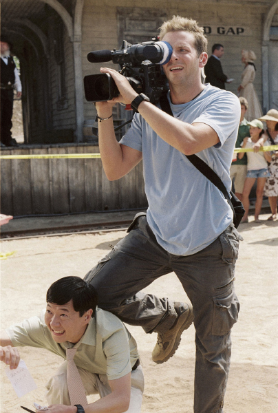 Bradley Cooper and Ken Jeong in All About Steve (2009)